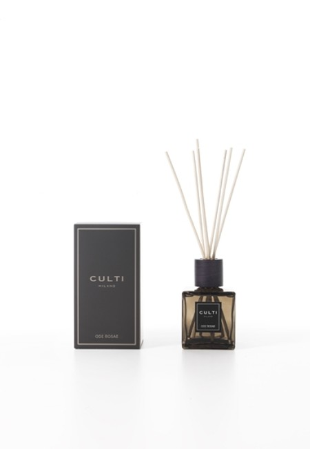 Shop CULTI  Perfume: Culti Ode Rosae 250 ml diffuser with sticks included. Ode Rosae a fresh Marocco rose... irresistible. Olfactory family: Floreal. Dimensions: L 9 cm D 9 cm H 17 cm. Made in Italy.. DIFFUSORE CULTI 250ML-ODEROSAE