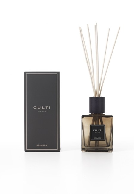 Shop CULTI  Perfume: Culti diffuser Aramara 500 ml with sticks included. Aramara an olfactory experience..solar. Size: from 20 to 40 square meters Duration: 4 months. Olfactory family: Citrus. Dimensions: L 9,7cm D 9,7 cm H 22 cm. Made in Italy.. DIFFUSORE CULTI 500ML-ARAMARA