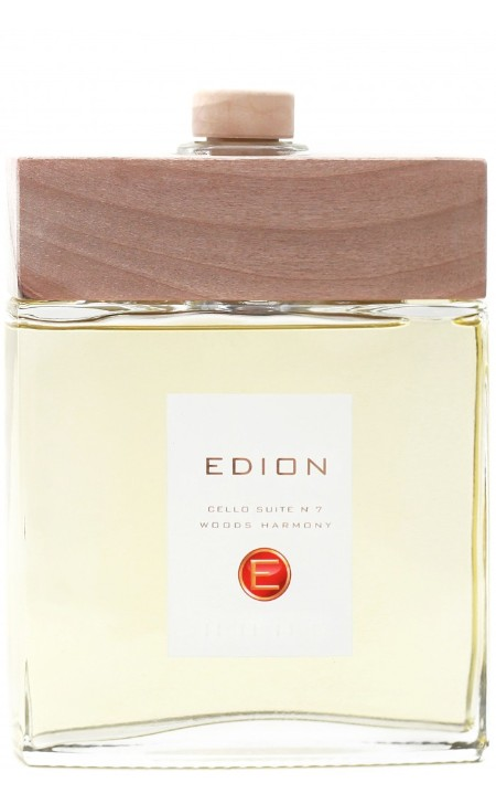 Shop EDION  Profumo: Edion profumatore per ambiente Woods Harmony cello suite 7. Profumo intenso e profondo di bosco secolare. Testa: bergamotto, limone, bois de rose. Cuore: pepe nero, legno di cedro, legno di patchouly, vetiyver. Fondo: vaniglia ambra, incenso, muschio. Capacità: 500 ml. Made in Italy.. CELLO SUITE 7 WOODS-ML500