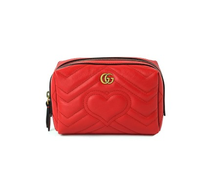 Shop GUCCI  Beauty: Gucci red leather beauty. Closing with zip. GG golden logo application in front. Heart detail in front and GG on the back side. Interior in beige suede. Made in Italy.. 476165DRW2T-6433