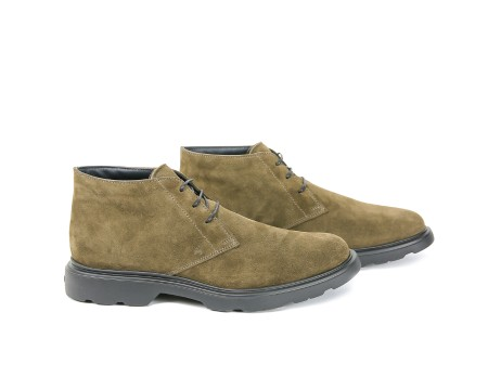 Shop HOGAN Saldi Scarpe: Hogan Route H304 in suede beige. Suola grigia in gomma. Made in Italy.. HXM3040W352HG0-B216