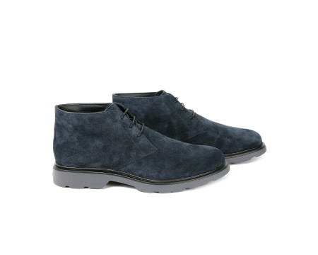 Shop HOGAN Saldi Scarpe: Hogan Route H304 in suede blu. Suola grigia in gomma. Made in Italy.. HXM3040W352HG0-U805