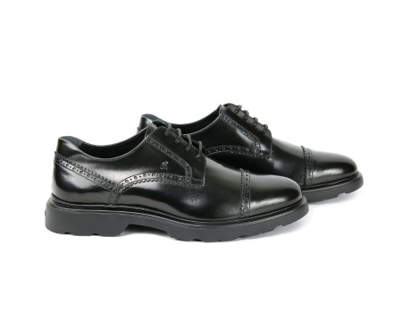 Shop HOGAN Saldi Scarpe: Hogan Route H304 in pelle nera. Motivo bucature. Suola nera. Made in italy.. HXM3040Y9006Q6-9999