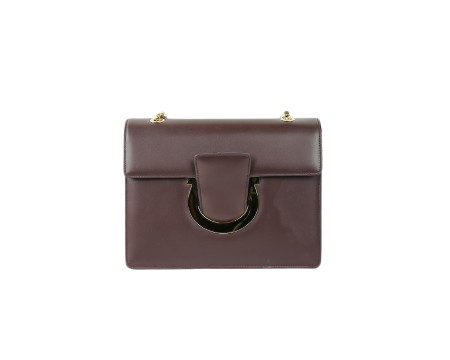 Shop SALVATORE FERRAGAMO  Bag: Ferragamo Thalia bordeaux leather bag. Closing with Ferragamo hook. Shoulder strap in chain sliding that makes the bag wearable on your shoulder or by hand. Two compartments. Size: width: 20cm; height: 16cm; depth: 3,5cm. Made in Italy.. 21G671 THALIA-679689