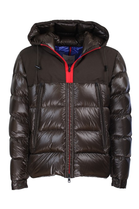 Shop MONCLER  Short Coat: Moncler Eymeric padded down jacket. Micro-cotton hood. Long sleeves. Color-contrast spiral zip closure. Front welt pockets with zip Felt moncler logo on the left sleeve. Composition: 100% polyamide. Hood: 84% polyester 16% cotton. Filling: 90% down 10% feather.. EYMERIC 41992 85 539MM-83J