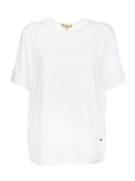 Shop FAY  T-shirt: White Fay T-shirt in cotton. Short sleeves. Logo at the bottom left side. Ruches detail on the sleeves. Main composition: 100% cotton. Details Composition: 60% viscose 40% cotton. Made in Italy.. NPWB33668200LE-B001