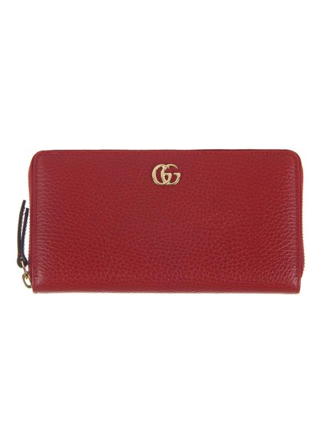 Shop GUCCI  Wallet: Gucci red leather wallet with zip and golden G metal detail. Twelve card slots and three bill compartments. Coin pocket with zipper. Zipper closure. Length: 19.5cm x Height: 11cm x Depth: 3cm. Made in Italy.. 456117 CAO0G-6433