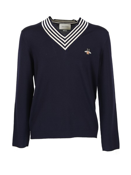 Shop GUCCI  Pullover: Gucci pullover in blue knitted wool, with white stripes along the neckline and hem. Embroidered bee application. V-neckline 100% wool. Made in Italy.. 496442 X9I00-4650