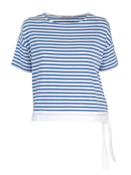 Shop MONCLER  T-shirt: Moncler striped crew neck T-shirt. Short sleeves. Composition: 93% cotton; 7% elastane. Edge in taffetà. Left side with braided drawstring. Moncler logo in felt on the left sleeve.. 80828 00 8299L-707