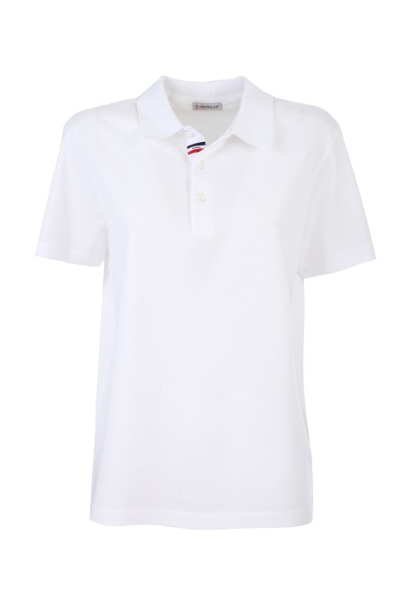 Shop MONCLER  Polo: Moncler polo in piquet di cotone. Colletto. Manica corta. Collo a costine. Apertura finta con bottoni a quattro fori in madreperla. Dettaglio tricolore sulla finta del portabottoni. Vestibilità regolare. Composizione: 100% cotone.. 8A708 00 84673-001