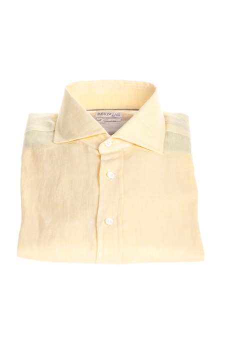 Shop BRUNELLO CUCINELLI  Camicia: Brunello Cucinelli camicia in lino basic fit. Colletto alla francese. Chiusura con cannoncino e bottoni di madreperla. Maniche lunghe. Basic fit. Composizione: 100% lino. Made in Italy.. MB6080028-C042